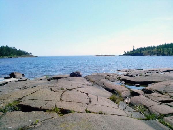 Залив рядом с лагерем
